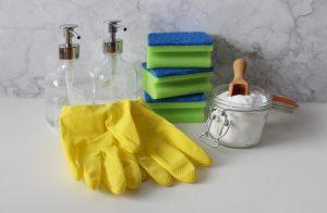 gloves 4017614 1280 300x196 - gloves-4017614_1280