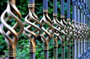iron gate 1623303 960 720 300x199 - iron-gate-1623303_960_720